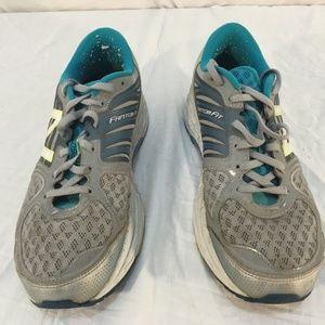 New Balance 1260.5 9.5 Athletic Sneaker 01635